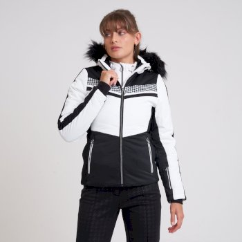 Mit Swarovski verziert - Dynamite luxuriöse, wasserdichte, isolierte Skijacke mit Kapuze und Pelzbesatz für Damen Weiß